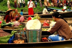 Shopping in Myanmar