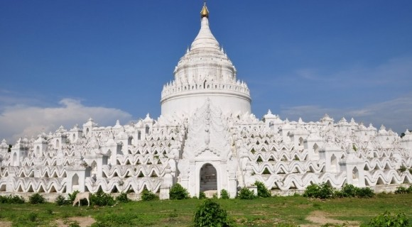 Kaungmudaw Pagoda in Mingun