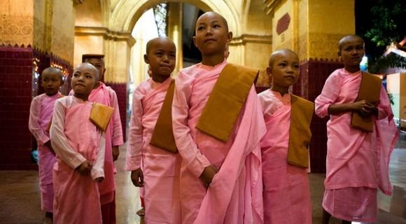 Mahamuni Pagoda in Mandalay