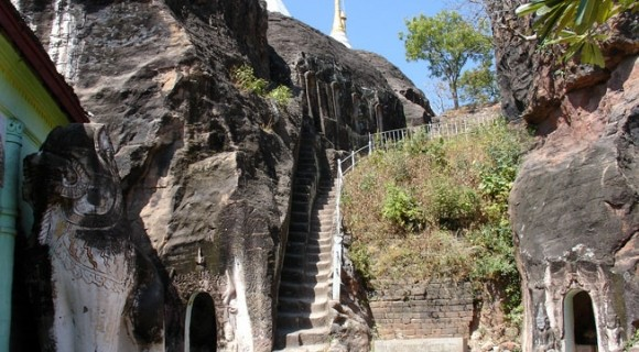 Phowun Taung Caves in Monywa