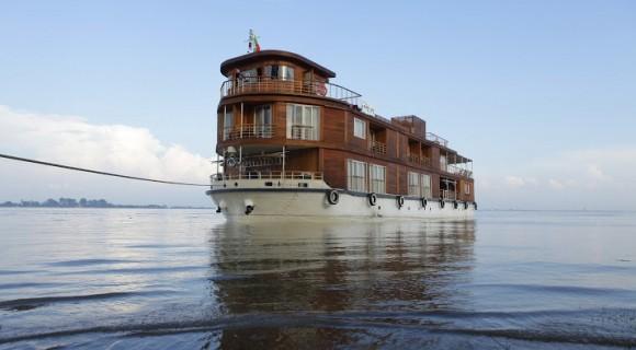 Paukan Cruise along Irrawaddy River