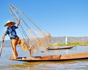 Tranquil Inle Lake Discovery